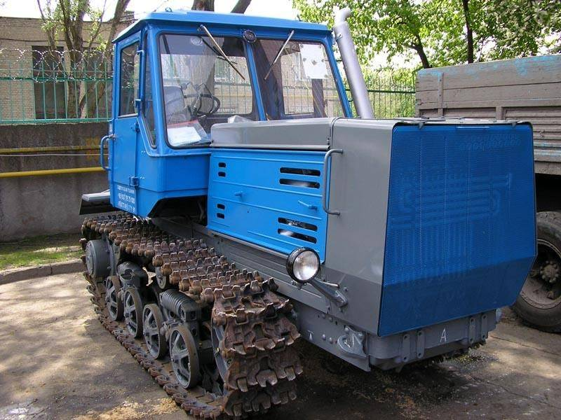 трактор т-150 спереди