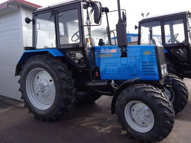 трактор 892