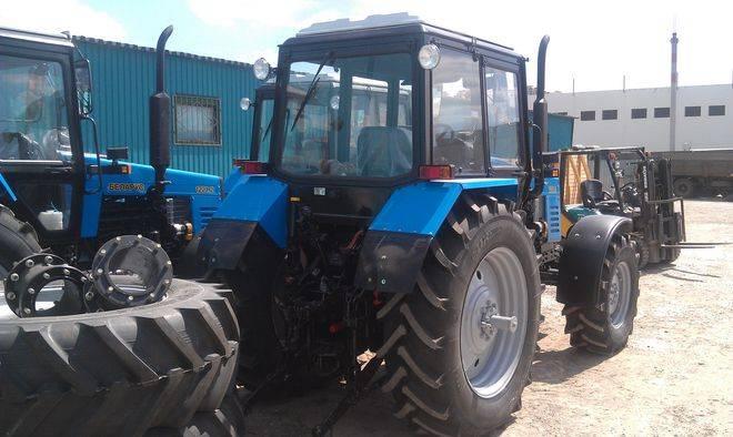 трактор 1221