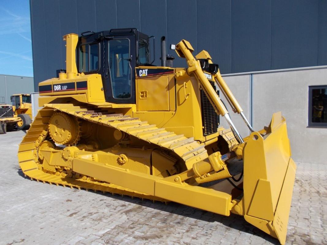 бульдозер Caterpillar D6R